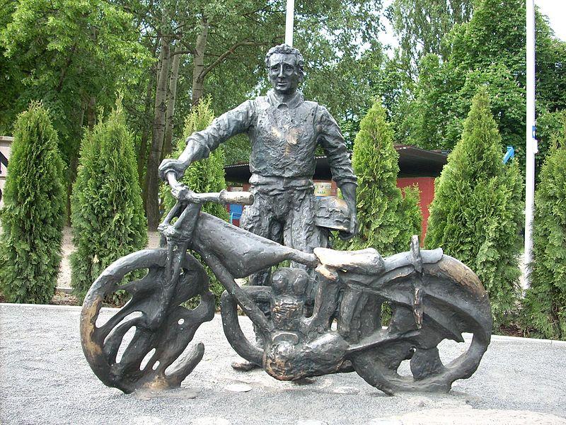 Pomnik Smoczyka1