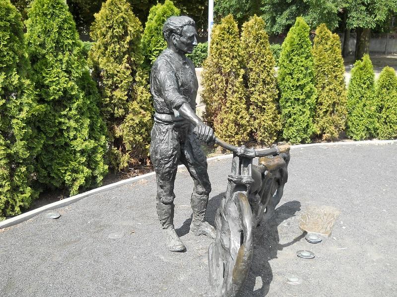 Pomnik Smoczyka3